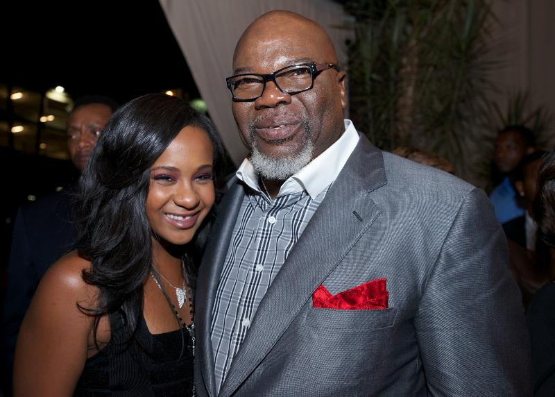 T.D.Jakes-bobbi-kristina-sparkle-red-carpet-0818-4