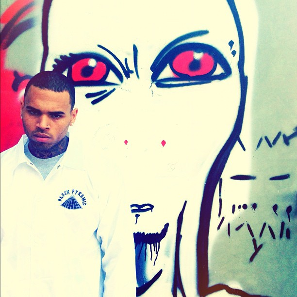 1022-Chris Brown Threatens Fan With Gay Slur-1