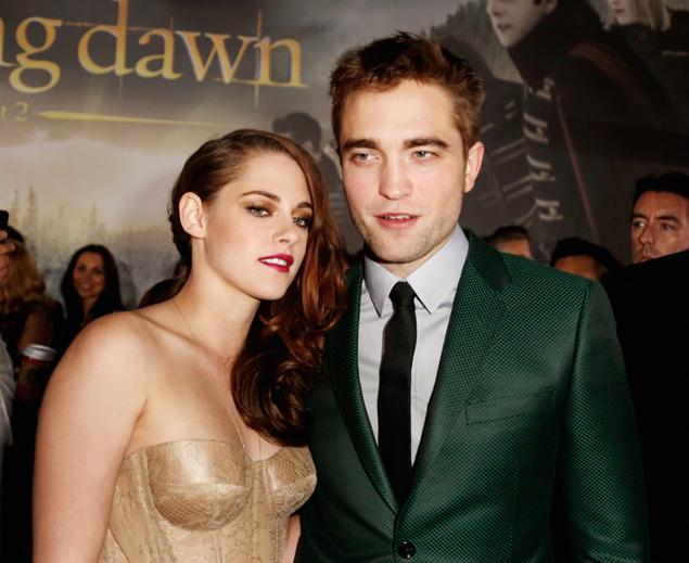 1113-Kristen Stewart & Robert Pattinson Rendezvous At Twilight Premiere-2