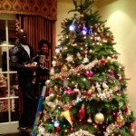 1205-Deck The Halls With Djimon Hounsou & Kimora-2