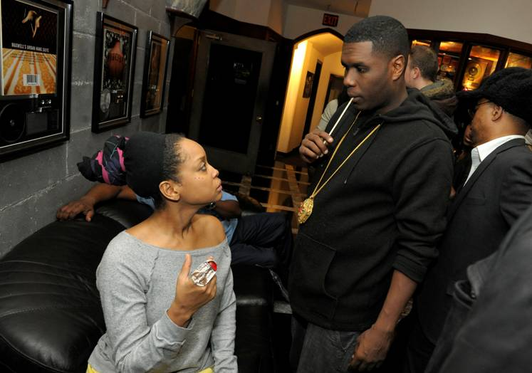 1209-Erykah Badu Has Beef With Jay Electronica-1