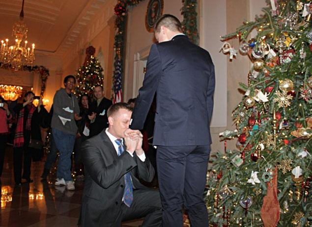 1218-Marine's Same-Sex Proposal In White House1