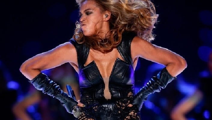 206-Beyonce's PR Demands Unflattering Photos Removed-3