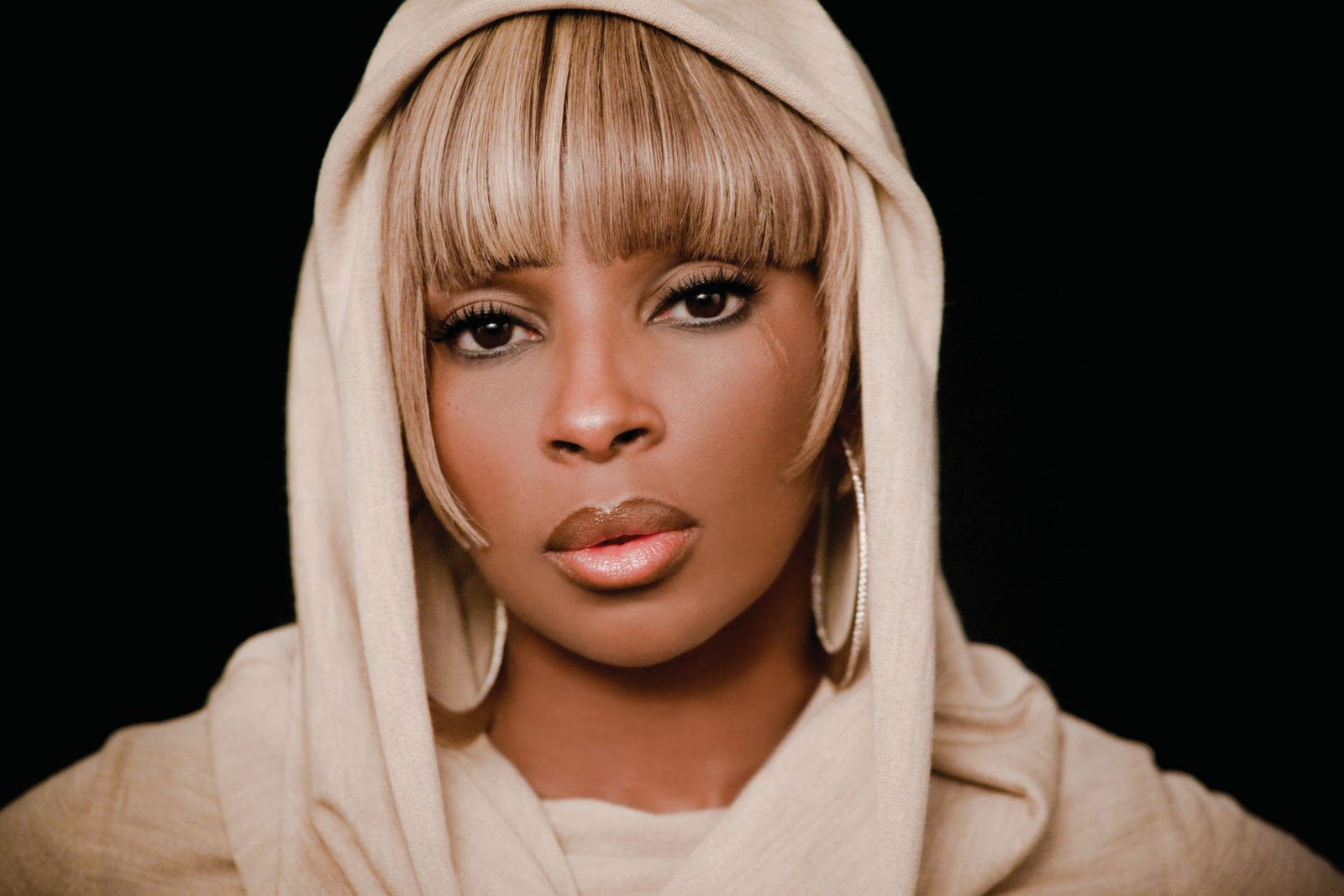 208-Mary-J-Blige-Defaults-Again-1