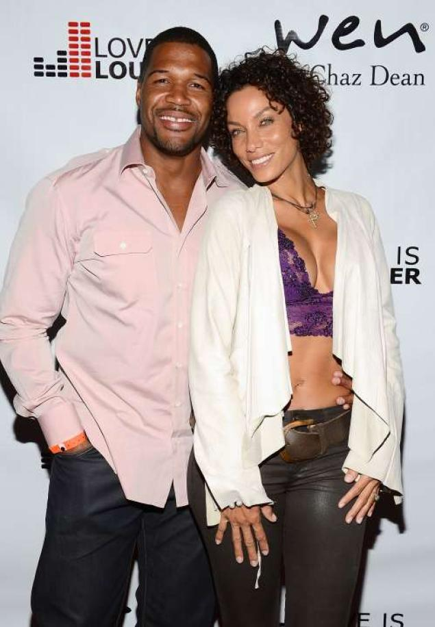 213-Michael Strahan Refusing To Marry Nicole Murphy-3