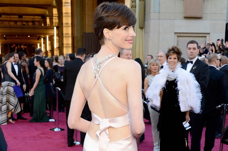 224-anne-hathaway-wins-best-supporting-actress-oscar-3