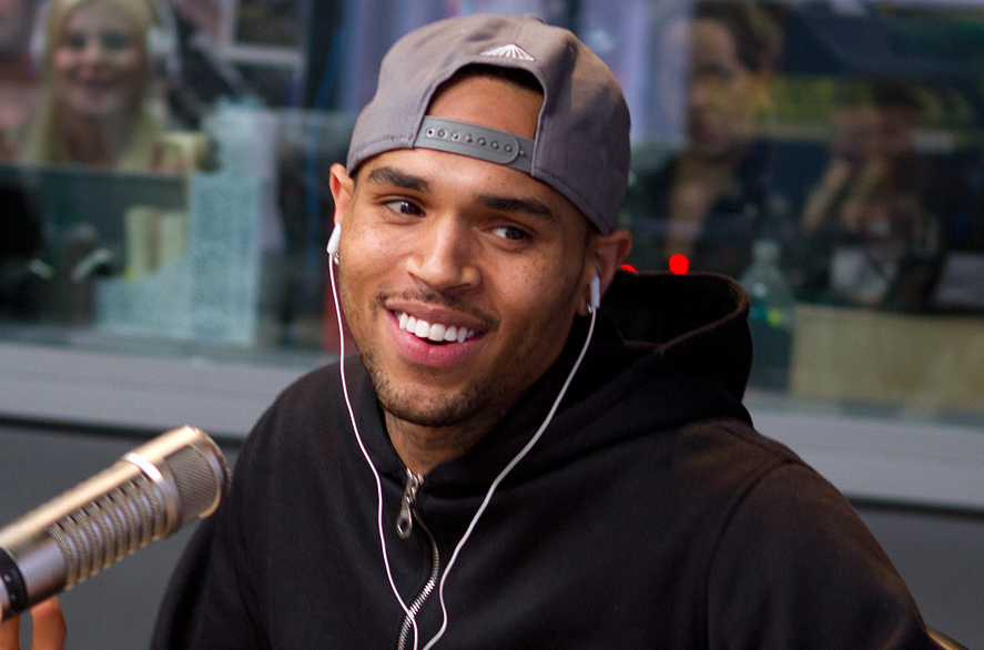 327-Chris Brown Explains Valet Incident-1
