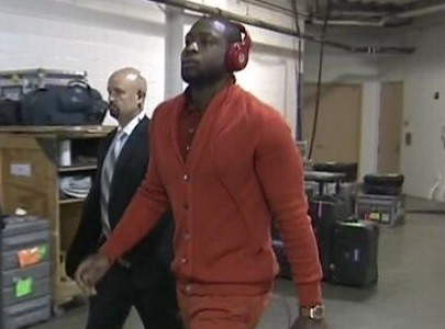 Dwayne-wade-with-purse-527-2