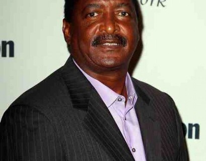 Mathew-knowles-suing-the-sun-626-1