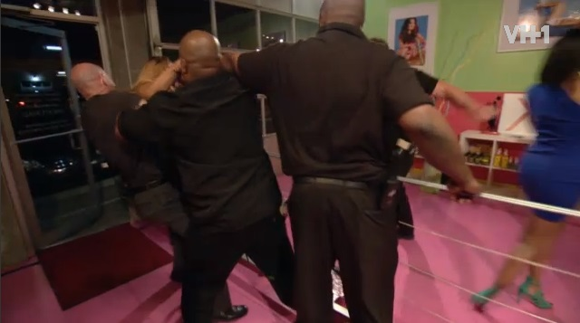 Traci Gets In Way of Shay and Erica's Brawl-624-1
