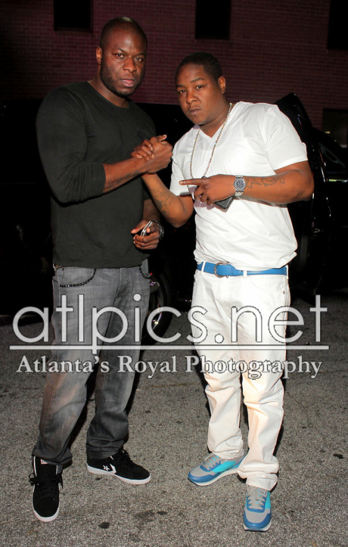Jadakiss Rocks A $320 Salvatore Ferragamo Adjustable Belt & The Brand's $550 Tower 3 Sneakers-716-1