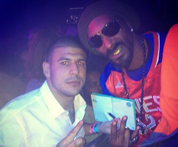 Snoop Lion Blasted for Supporting Aaron Hernandez-707-4