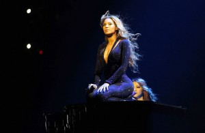 beyonce-mrs-carter-world-tour-717-1