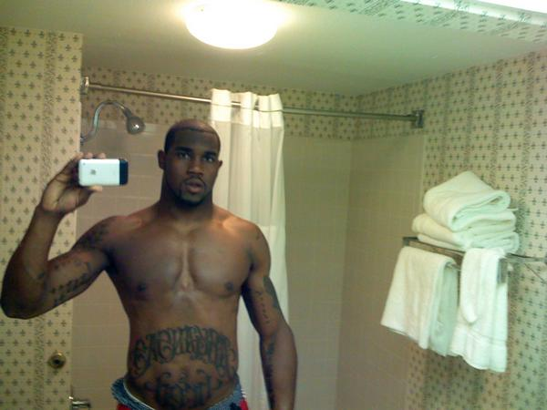 Darren McFadden-Shirtless-826-1