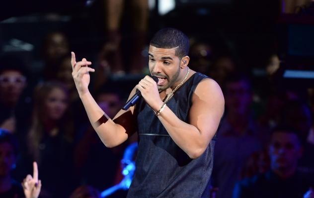 Drake-Sued-826-2