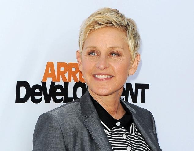 Ellen DeGeneres Officially Hosting Oscars 2014-802-1