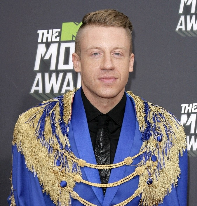 Macklemore Nabs Best Rap & Social Message Moon Men-825-3