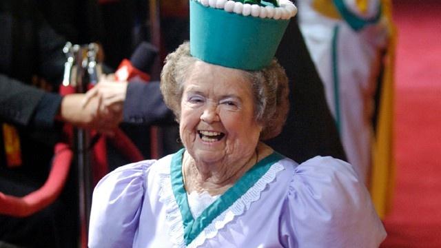 Wizard of Oz's Flowerpot Munchkin Dies at 89-808-1