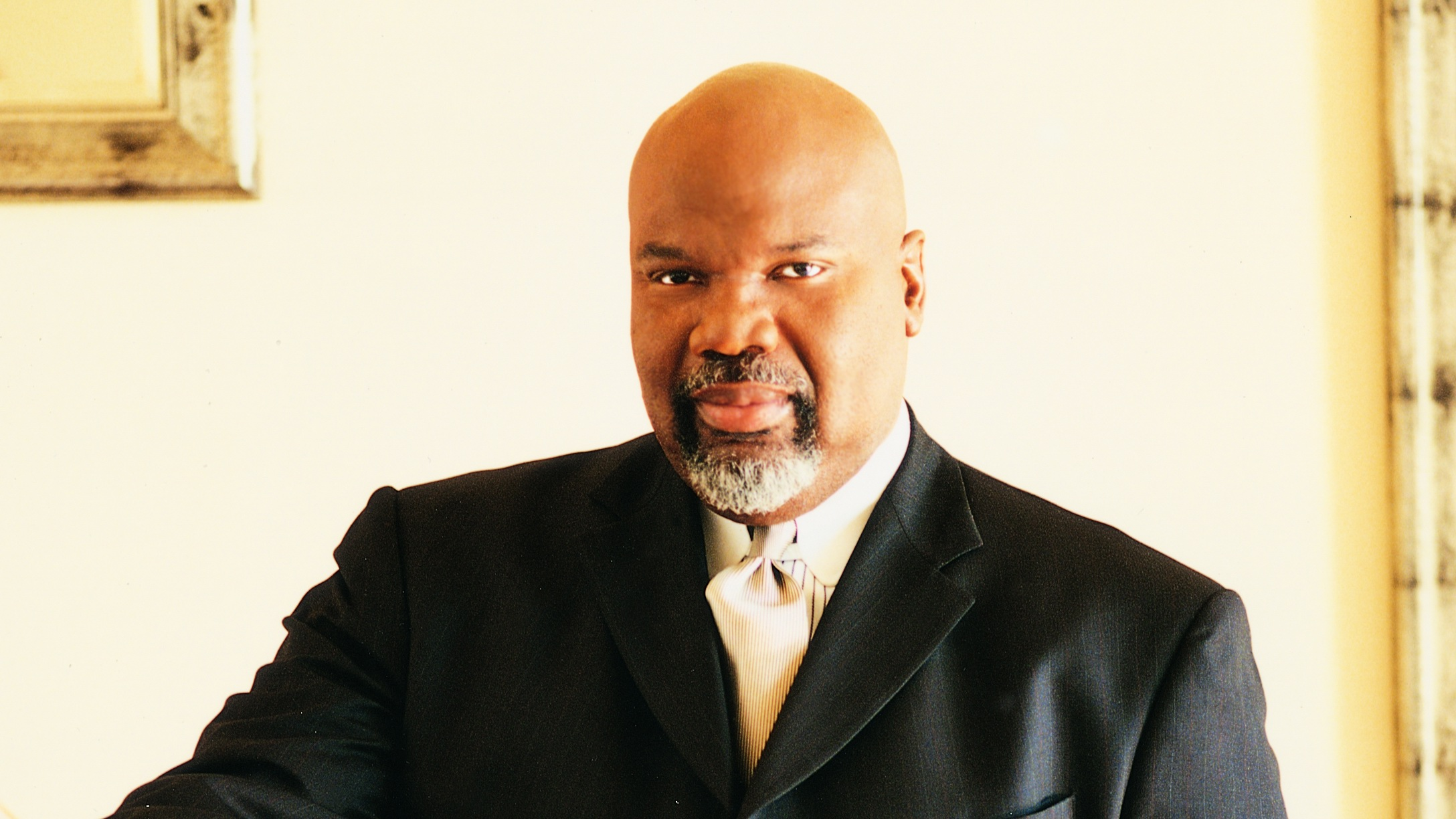 Bishop T.D. Jakes Calls Preachers Of L.A. Junk TV-115-1