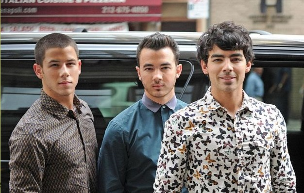 The Jonas Brothers Split Over Joe's Alleged Heroin Addiction-114-1