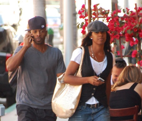 Kelly-Rowland-and-boyfriend-Tim-engaged-1118-1