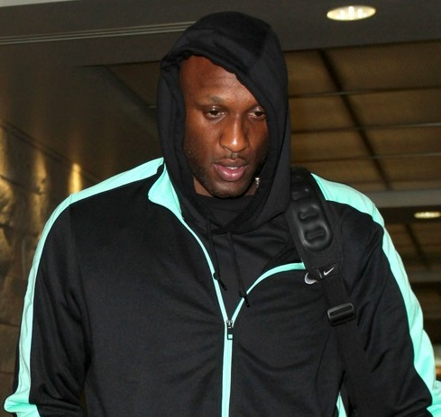 Lamar Ready To Divorce Khloe after Thanksgiving-1128-2