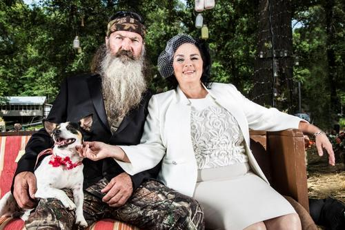 A&E Reinstates Phil on Duck Dynasty-news-1227-1
