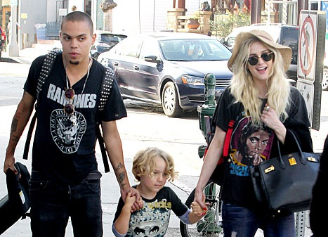 Diana Ross Hating on Evan and Ashlee Simpson-1212-2
