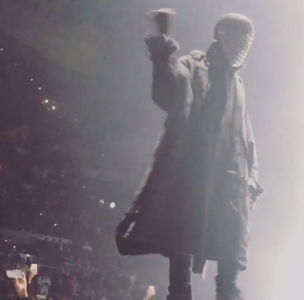 Kanye West Has Fan Thrown Out in Texas - Celebnmusic247 Kanye West Texas
