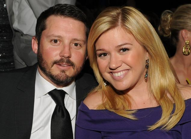 Kelly Clarkson Fires Back Over Cheating Rumors-1212-1