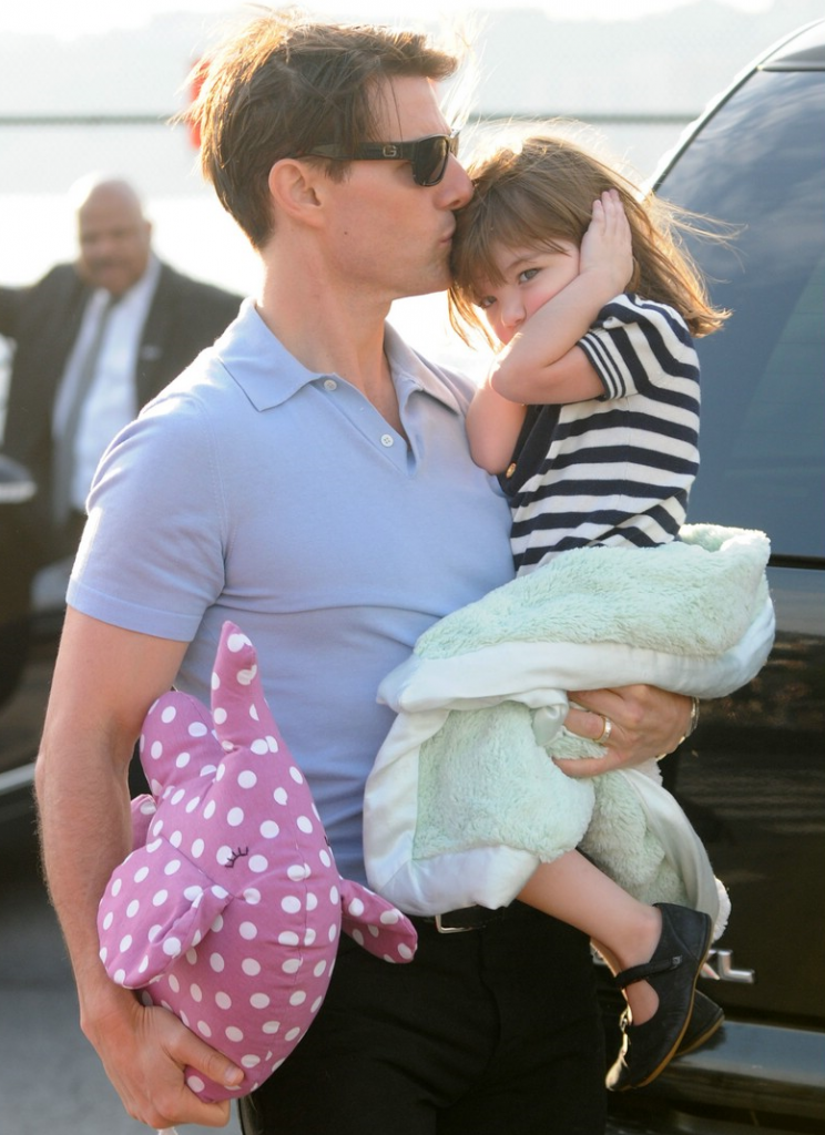Tom Cruise Settles $50 M Lawsuit Against Bauer Publishing-news-1221-2
