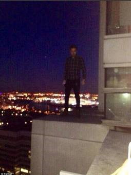 1ds-liam-payne-dangerously-close-to-edge-0115-1