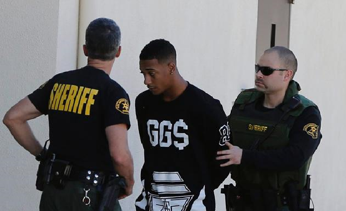 Justin Bieber's House RAIDED Lil Za Arrested-0114-4