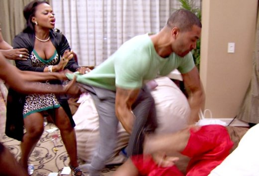 Real-Housewives-Of-Atlanta-Season-6-Episode-13-Pajama-Party-Fight-0127-2