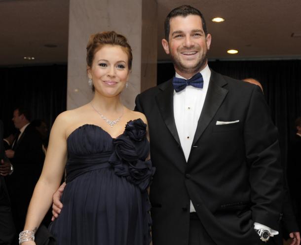 alyssa milano and david bugliari-pregnant-0323-1