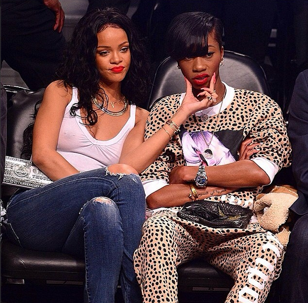Rihanna-slams-clippers-owner-0427-2