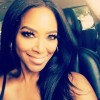 Kenya-Moore-shows-off=new-dinning-set-0718-2