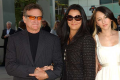 robin-williams-family-says-godbye-0814-1