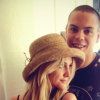 newlyweds-evan-ross-ashlee-simpson-expecting-first-child-1218-1