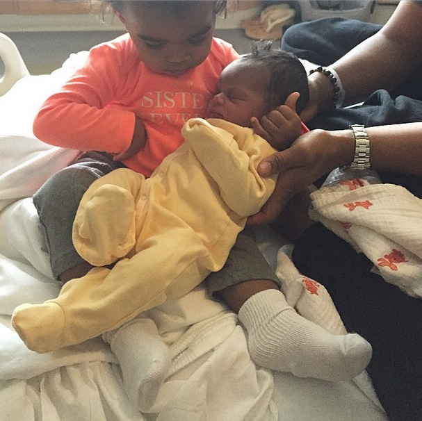 aj-calloway-welcomes-new-baby-for-2015-0102-2