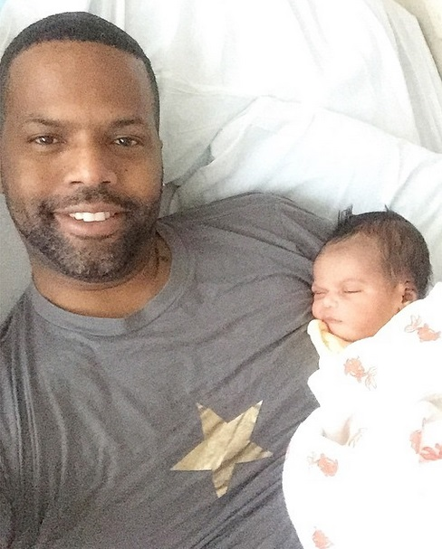 aj-calloway-welcomes-new-baby-for-2015-0102-4