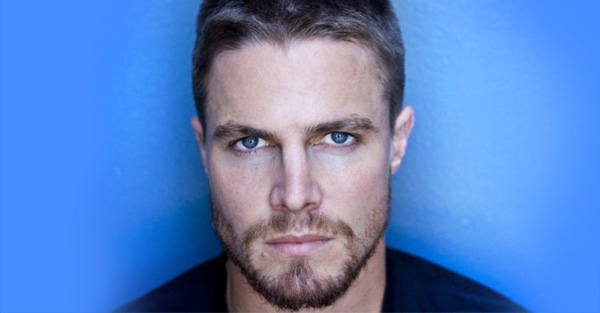 Stephen Amell Proves He Is Basically a Real-Life Superhero