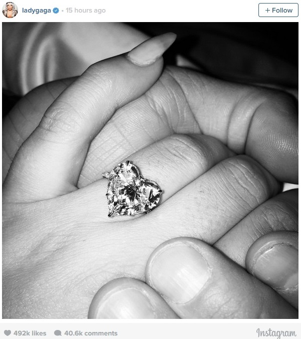 lady-gaga-is-engaged-to-taylor-kinneyr-perfect-valentine-s-day-engagement-ring-0216-4