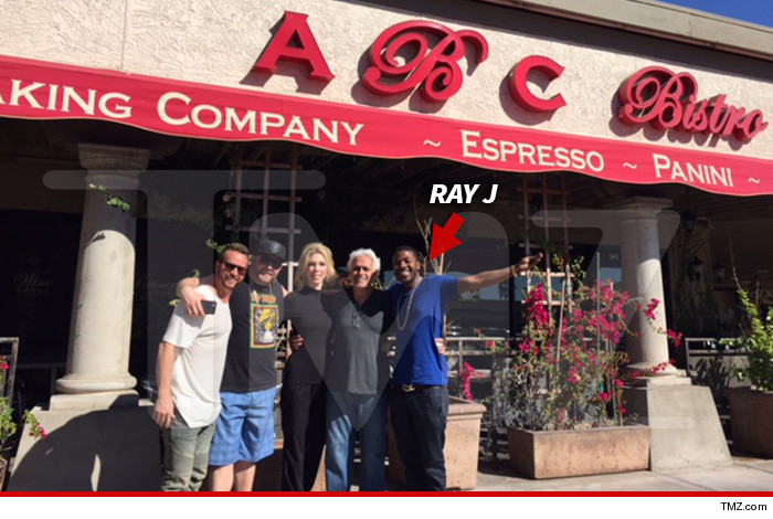 AMYS-BAKING-COMPANY-ray-j-going-into-the-bakery-business-0321-2