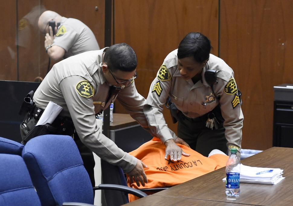 suge-knight-collapse-in-court-getty-0321-1