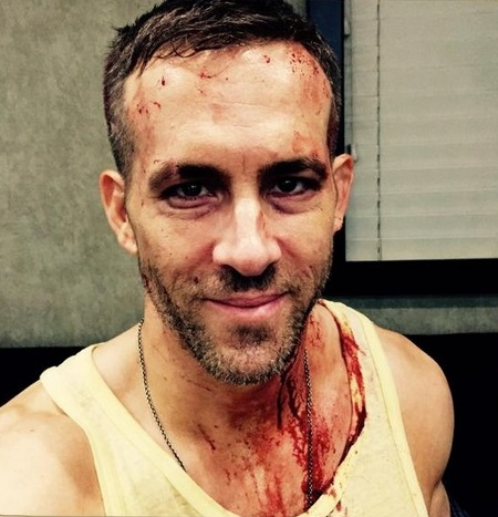 ryan-reynolds-bloodies-up-in-new-deadpool-set-picture-0425-2