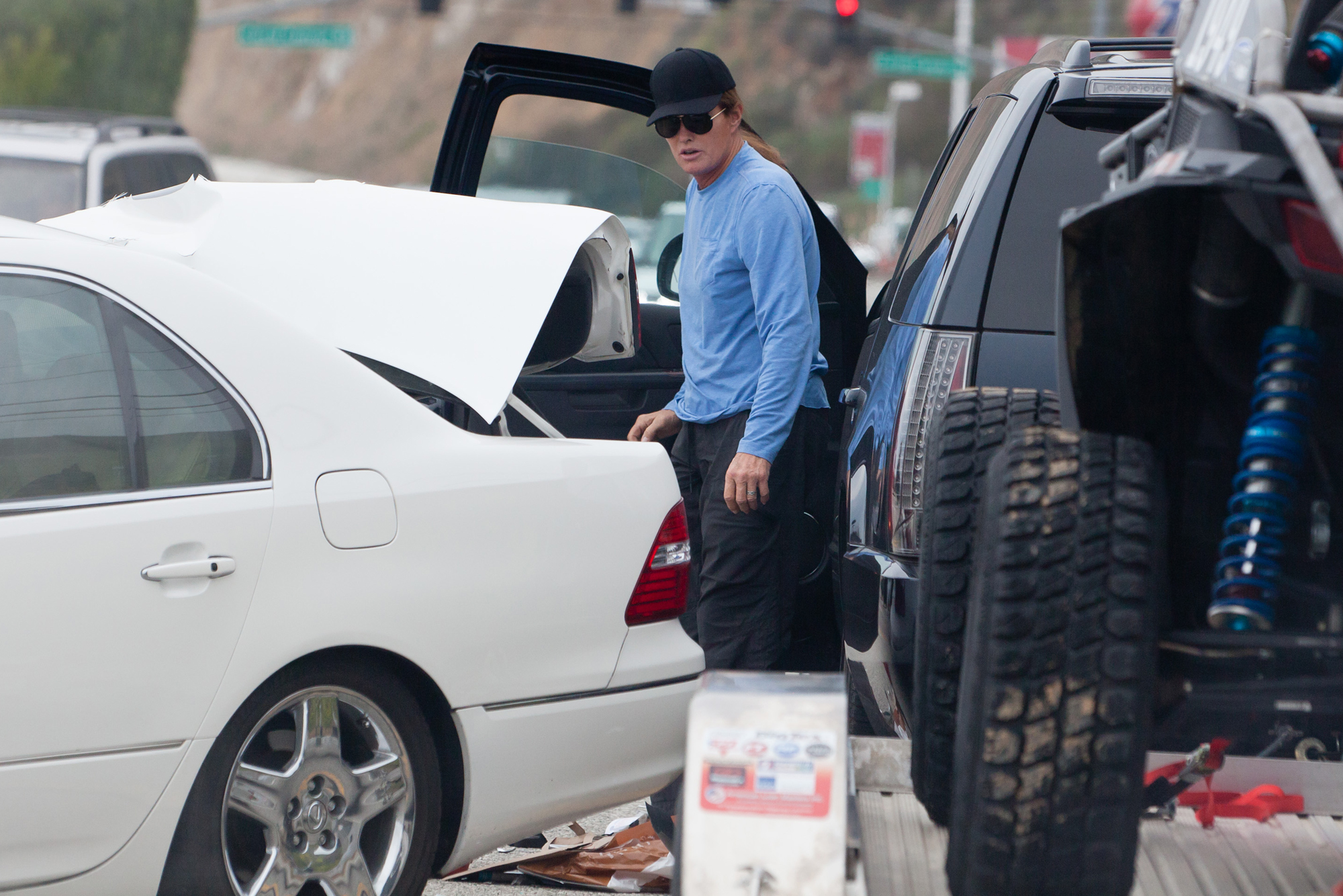 EXCLUSIVE TO INF. **PREMIUM RATES APPLY**STRICTLY NO WEB UNTIL 130am PST FEB 8th** Bruce Jenner In a Car Accident - Moment of Impact