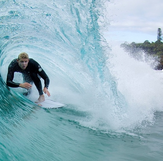 pro-surfer-mick-fanning-attacked-by-2-sharks-0719-8