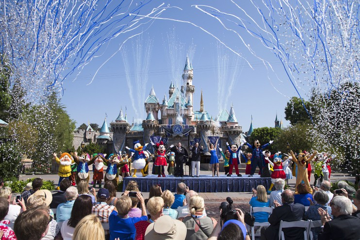 Disneyland-buys-more-land-in-anaheim-0804-1