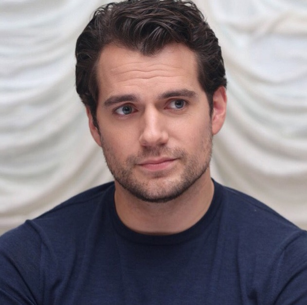 Henry Cavill-apologizes-for-erection-during-scene-0810-1